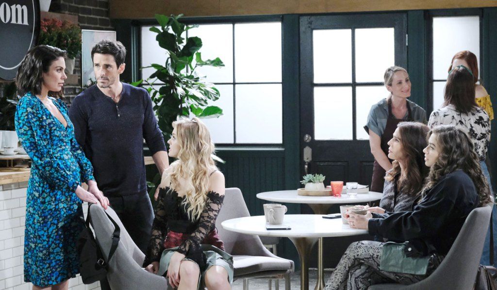 Chloe meets with Shawn and others in New York on Days of our Lives