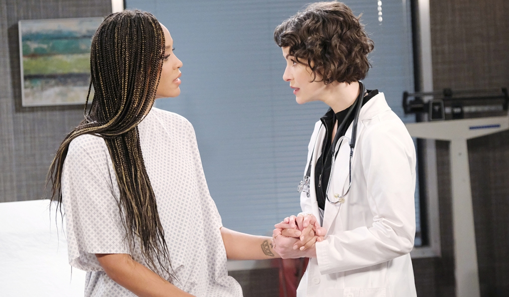 lani gets comforted by sarah at hospital days of our lives