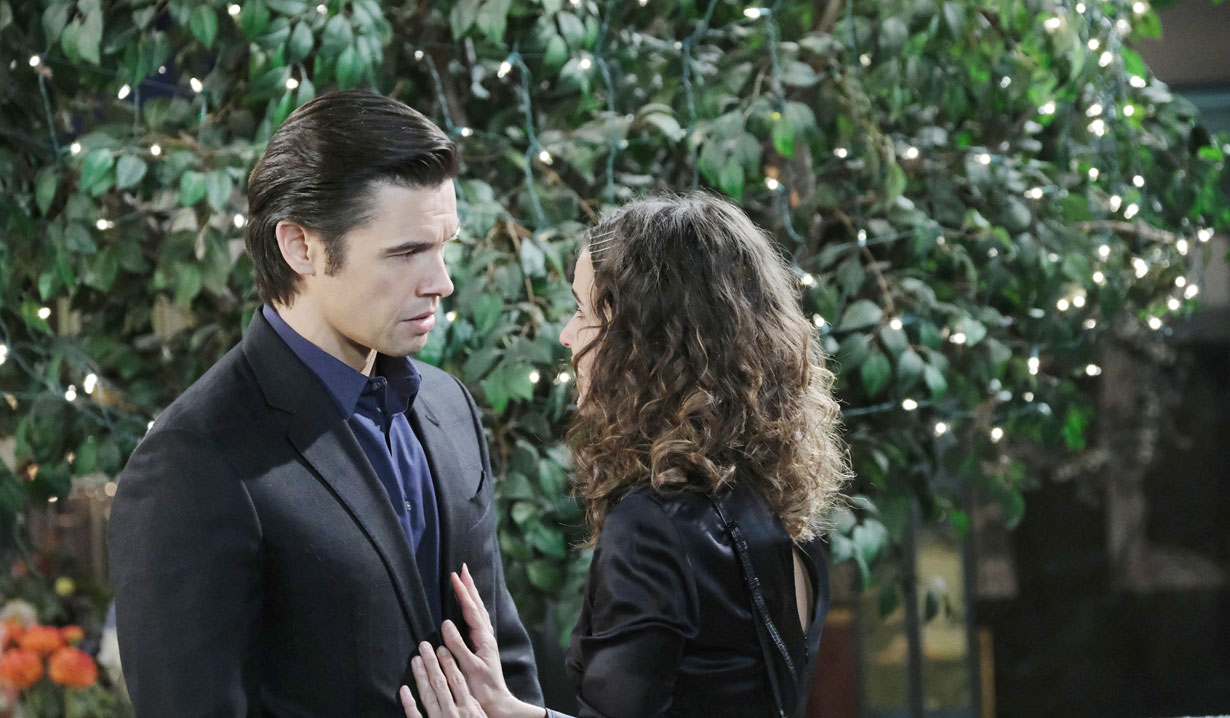 Xander and Sarah reunite in Horton Square on Days