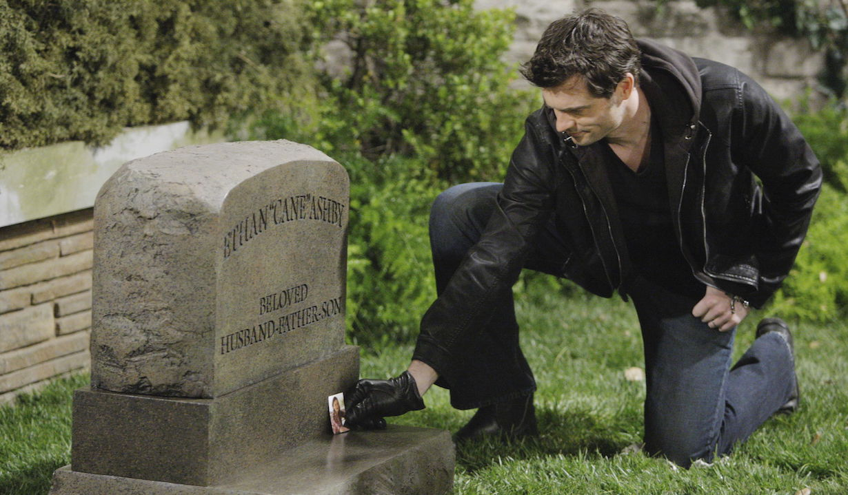 "Daniel Goddard ""The Young and the Restless"" cane grave ss"