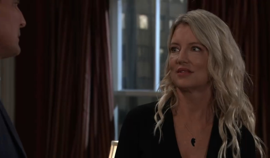 Nina tells Jax she's sure Phyllis is key in New York General Hospital