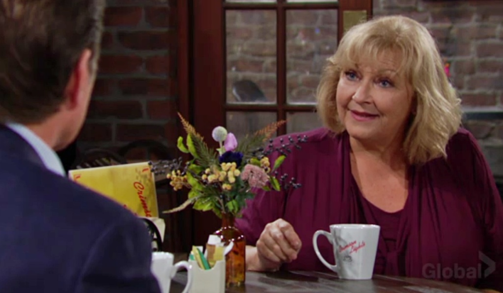 Traci tells Jack about necklace Y&R