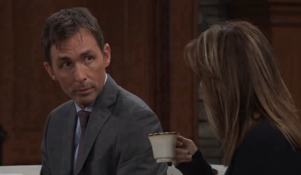 Valentin listens to Alexis at her place General Hospital
