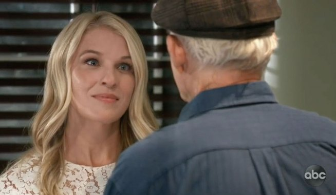 Courtney returns for Mike on GH