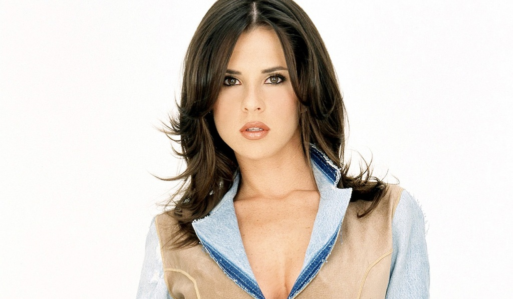 GHs Kelly Monaco Opens up About Billy Millers Exit