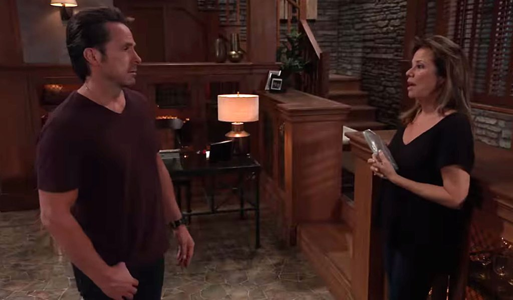 Alexis is devastated over Neil's death on GH