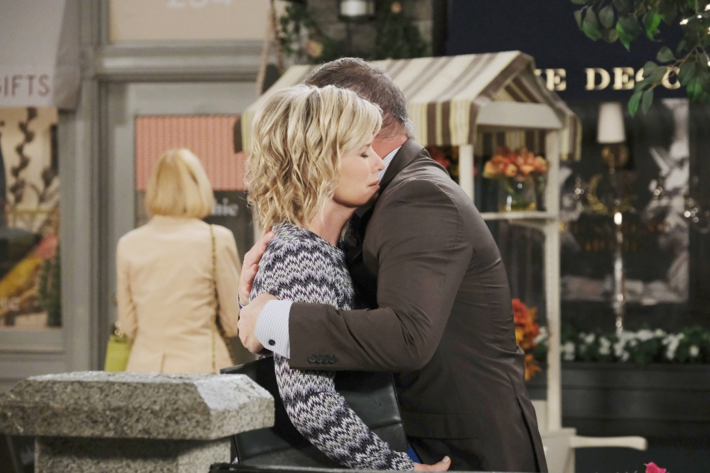 kayla hugs justin town square after breakup days of our lives