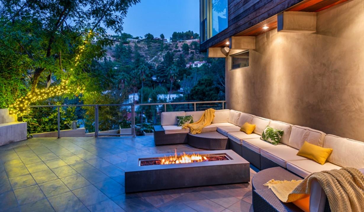Jacqui Wood home terrace B&B