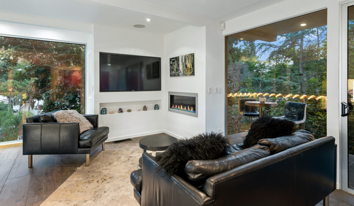 Jacqui Wood home lounge B&B