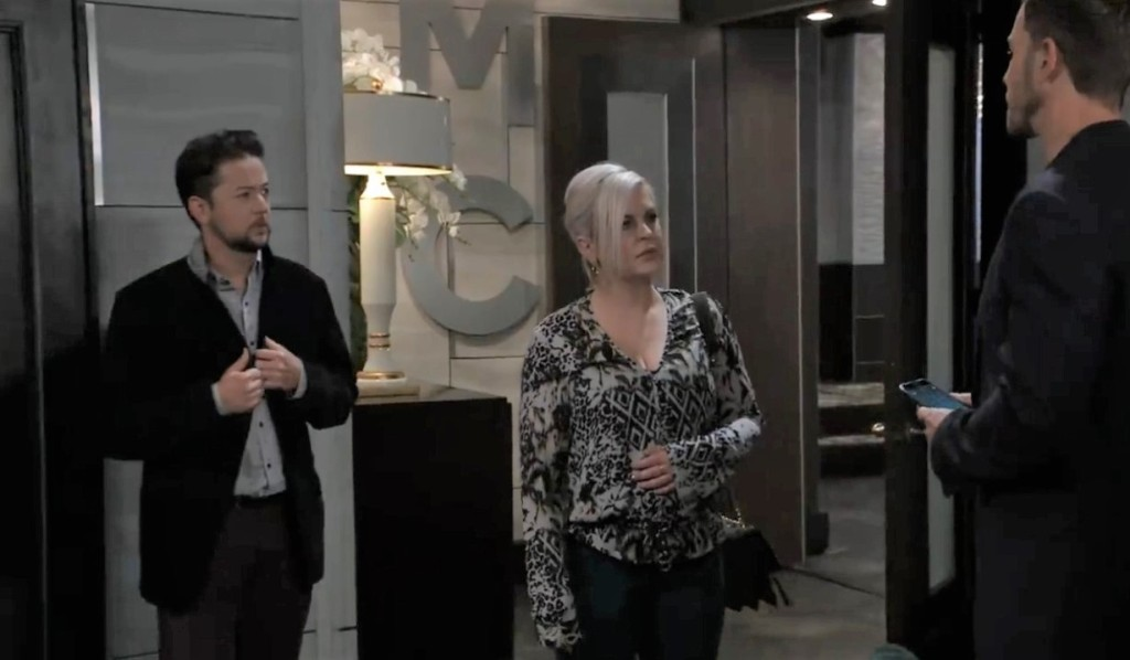 Maxie and Spienlli notice Peter in shock at Metro Court General Hospital