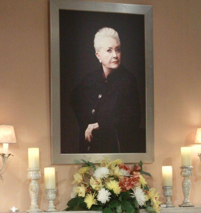 "Stephanie Portrait ""The Bold and the Beautiful"" Set CBS Television CityLos Angeles01/16/13© Paul Skipper/jpistudios.com310-657-9661Episode # 6520U.S.Airdate 02/28/13"