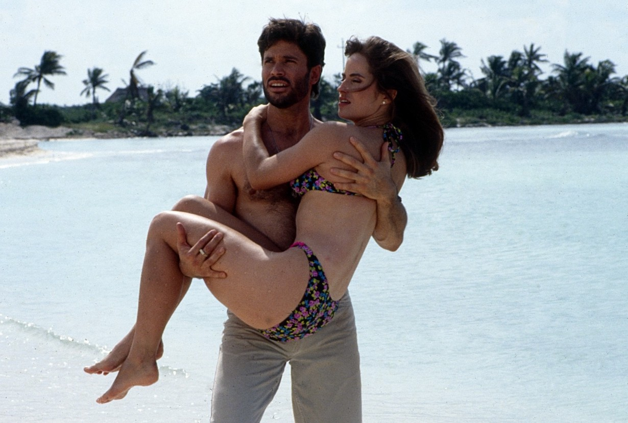 DAYS OF OUR LIVES, Peter Reckell, holding Crystal Chappell, bo carly beach
