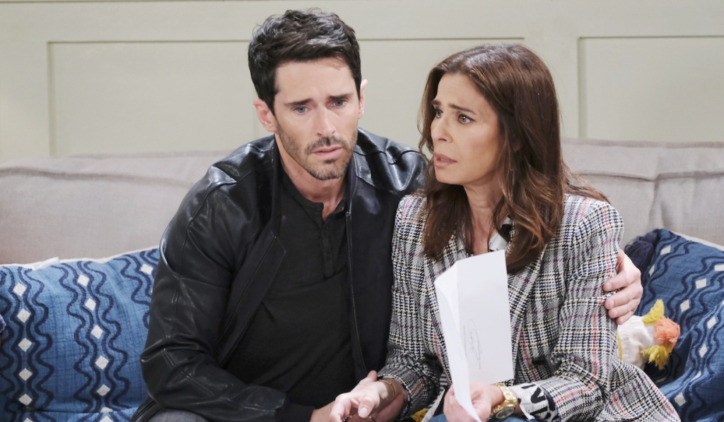 Shawn comforts a distraught Hope on Days of Our Lives
