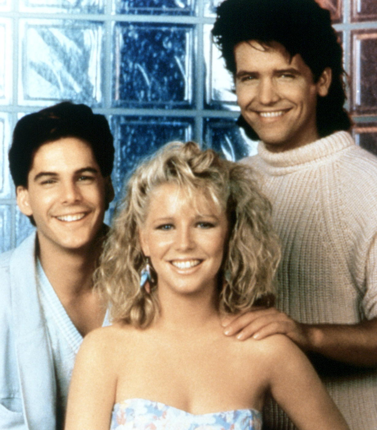 THE YOUNG AND THE RESTLESS, Lauralee Bell (center), Michael Damian (right), Thomas bierdz CBS/Courtesy of the Everett Collection