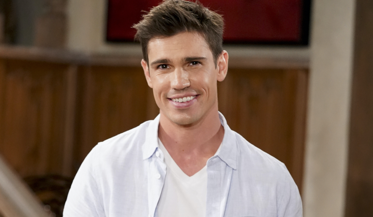 """Tanner Novlan as Dr. John """"Finn"""" Finnegan of the CBS series THE BOLD AND THE BEAUTIFUL, Weekdays (1:30-2:00 PM, ET; 12:30-1:00 PM, PT) on the CBS Television Network. Photo: Sonja Flemming/CBS 2020 CBS Broadcasting, Inc. All Rights Reserved"""