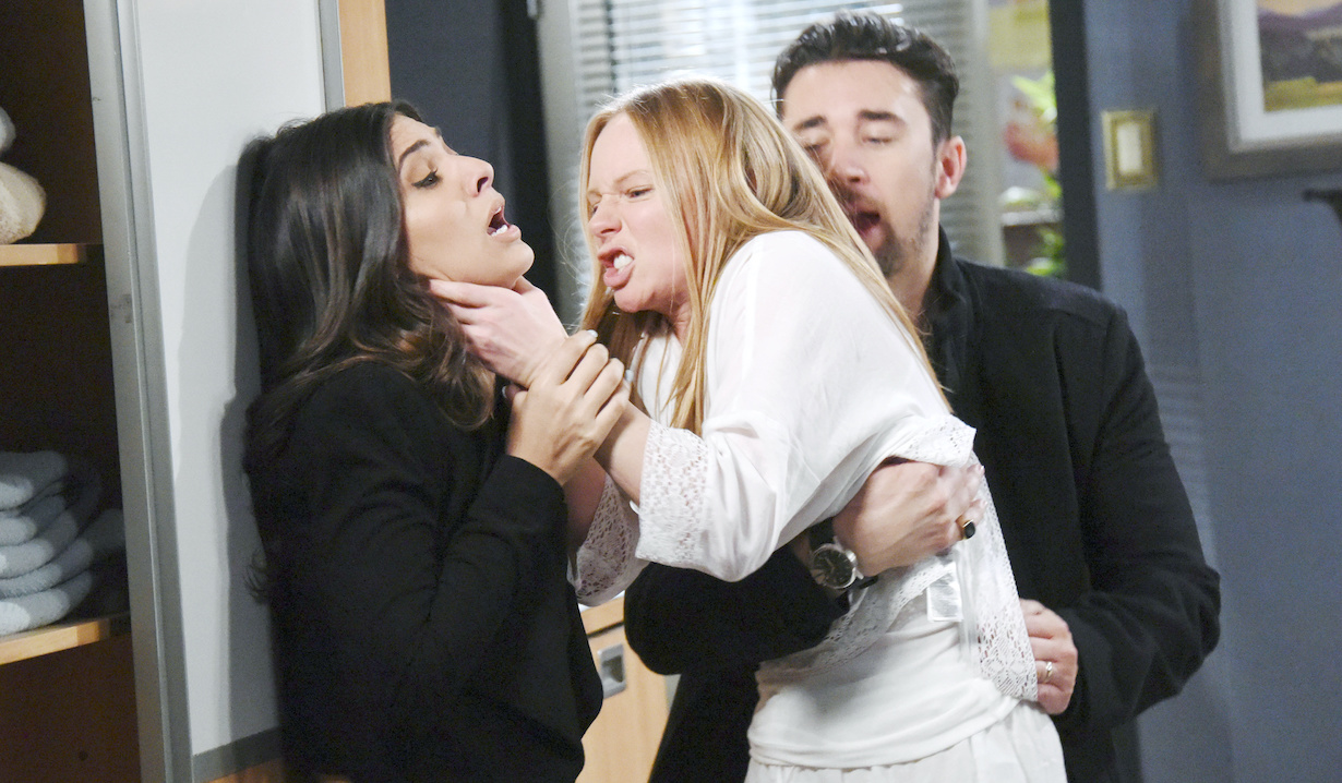 "gabi abigail fight Camila Banus, Marci Miller, Billy Flynn""Days of our Lives"" SetNBC StudiosBurbank05/25/18© XJJohnson/jpistudios.com310-657-9661Episode # 13472U.S.Airdate 11/19/18"
