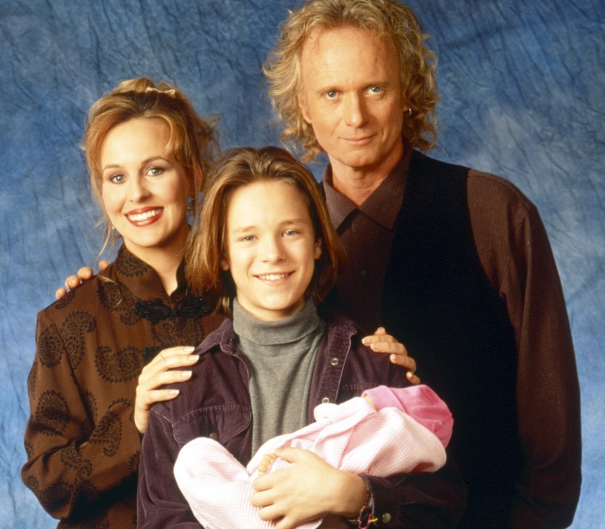 GENERAL HOSPITAL, from left: Genie Francis, Jonathan Jackson, Anthony Geary, 1995, 1963- . ph: Craig Sjodin /© ABC /Courtesy Everett Collection