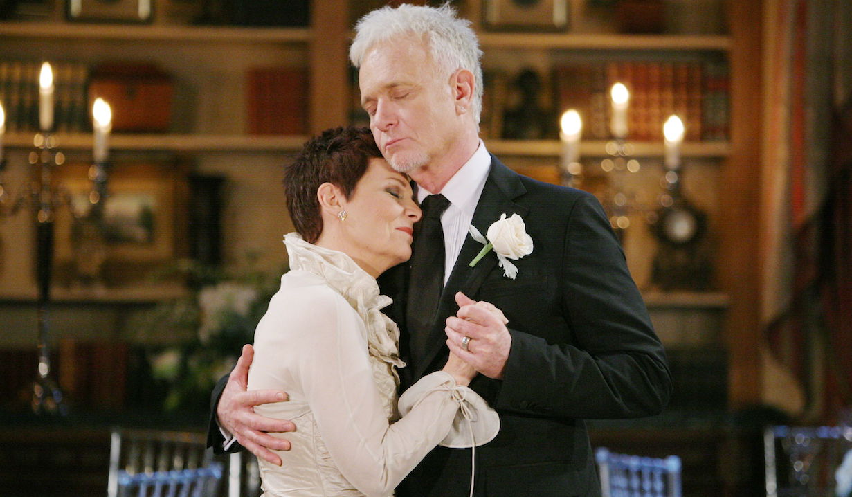 "Jane Elliot, Anthony Geary ""General Hospital"" Set The Prospect Studios ABC Studios Los Angeles 11/30/10 ©Howard Wise/jpistudios.com 310-657-9661 Episode # 12210 U.S.Airdate 12/27/10"