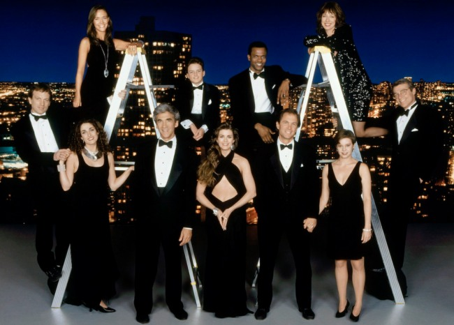 THE GUIDING LIGHT, (back row, from left): Hilary Edson, Bryan Buffinton, Monti Sharp, Maureen Garrett, (front): Justin Deas, Melinda Kanakaredes, Michael Zaslow, Fiona Hutchison, Peter Simon, Melissa Hayden, Jerry ver Dorn, (1994), 1952-2009. photo: Robet Milazzo / © CBS / Courtesy: Everett Collection