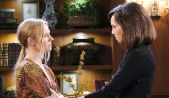 Gwen consoles Abigail on Days of Our Lives