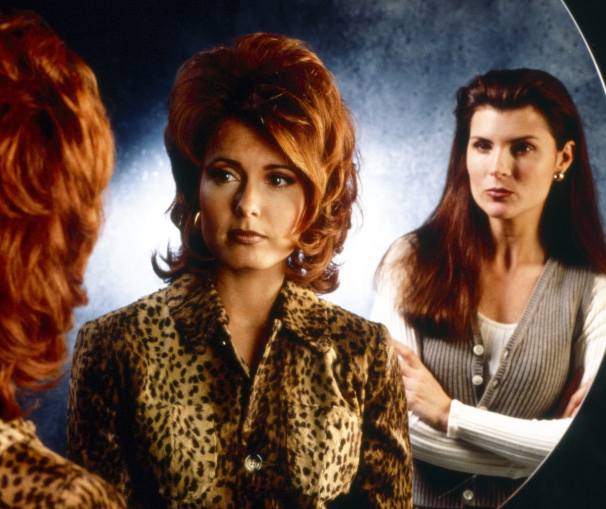 yr lauren sheila THE BOLD AND THE BEAUTIFUL, from left: Tracey E. Bregman, Kimberlin Brown, 1990s, 1987– . ph: Monty Brinton /© CBS / Courtesy Everett Collection