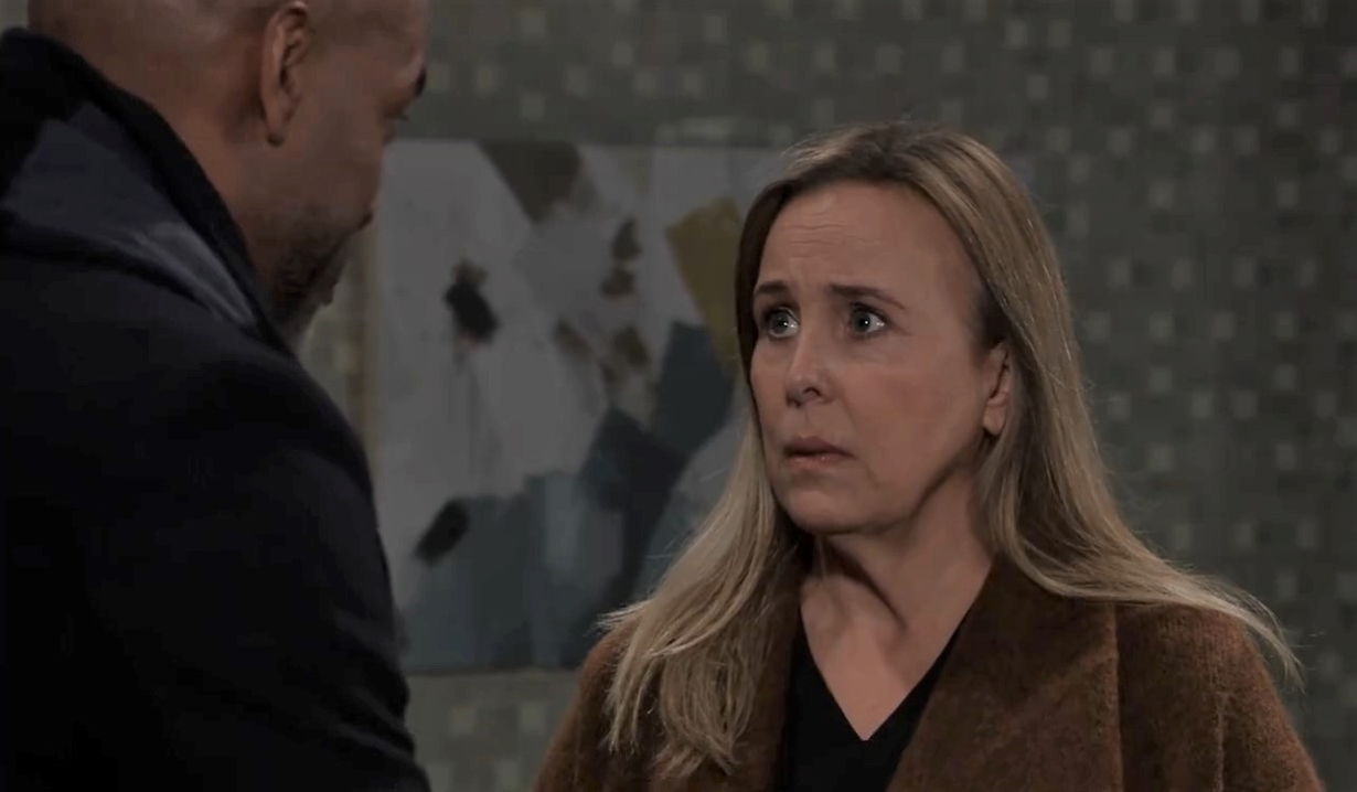 Curtis warns Laura about trouble in Vermont General Hospital