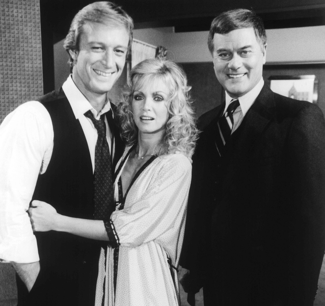 KNOTS LANDING, from left: Ted Shackleford, Donna Mills, Larry Hagman in 'New Beginnings' (Season 4, Episode 6, aired October 29, 1982), 1979-93.