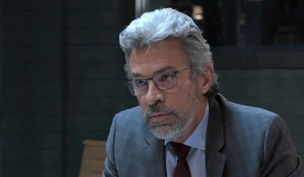 Mac interrogates Taggert at PCPD General Hospital