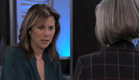 Tracy offers Alexis a job at Metro Court General Hospital