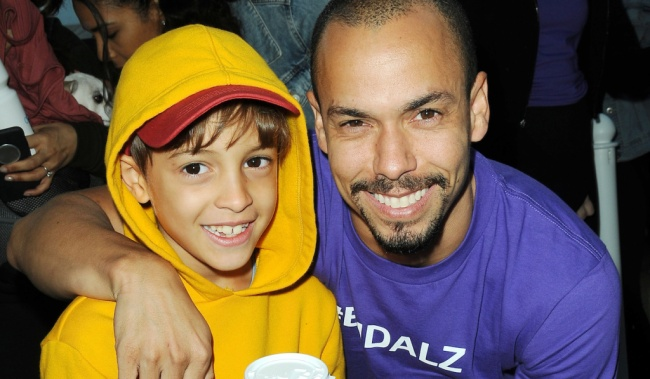 Bryton James, Michael Hensley (Christel Khalil's son) attends The Young and the Restless Cast at the 2018 Walk to End Alzheimers at the The Los Angeles Zoo in Los Angeles, CA on November 3, 2018 © Jill Johnson/jpistudios.com 310-657-9661