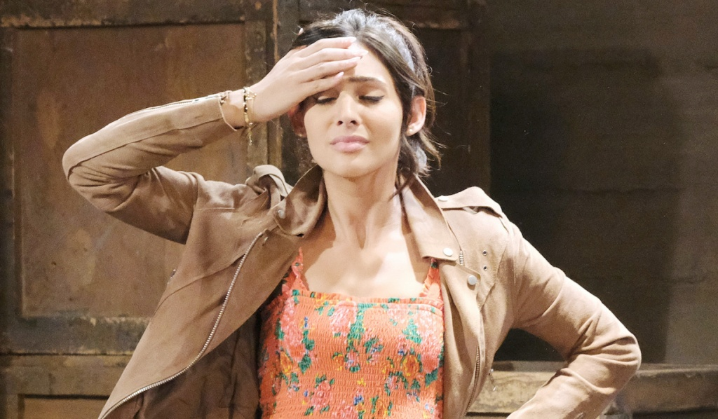 Camila Banus, gabi headache days