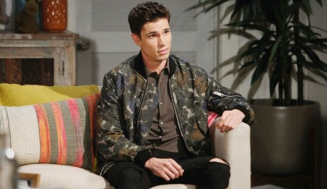 finn suspects something's wrong with steffy B&B