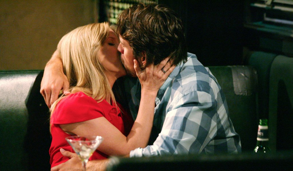 nick and christine kiss at jimmy's bar Y&R