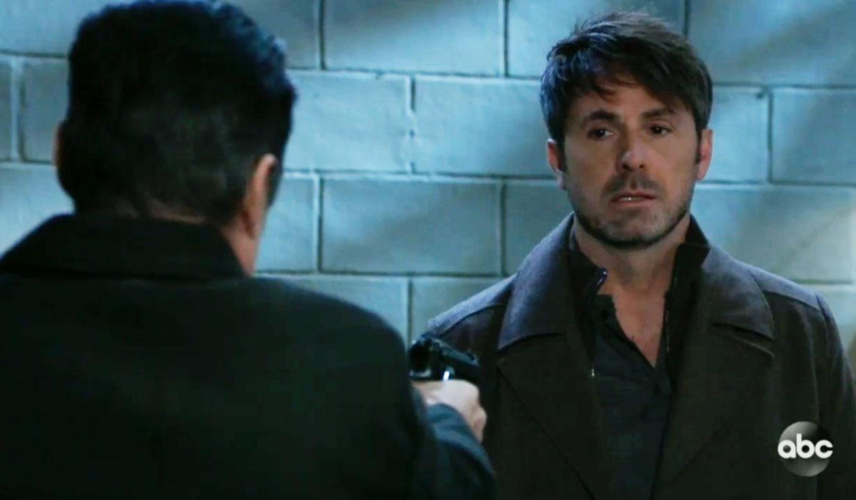 Sonny holds a gun on Julian on GH