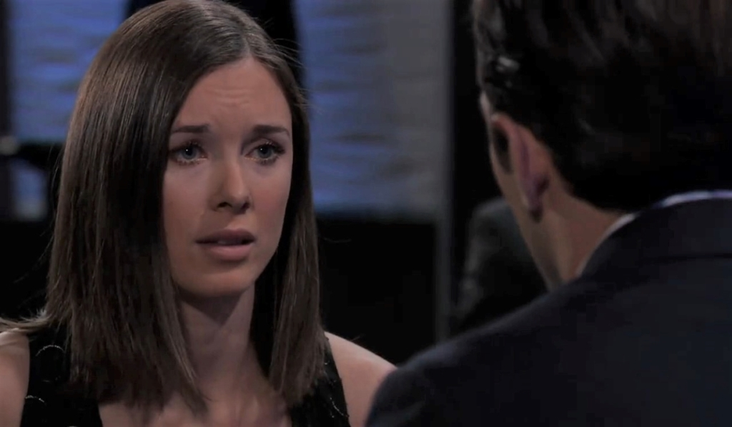 Chase and Willow discuss his betrayal at Metro Court General Hospital