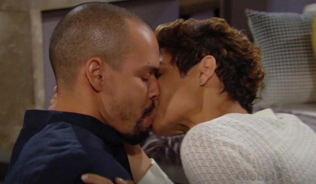 Devon, Elena kiss Y&R