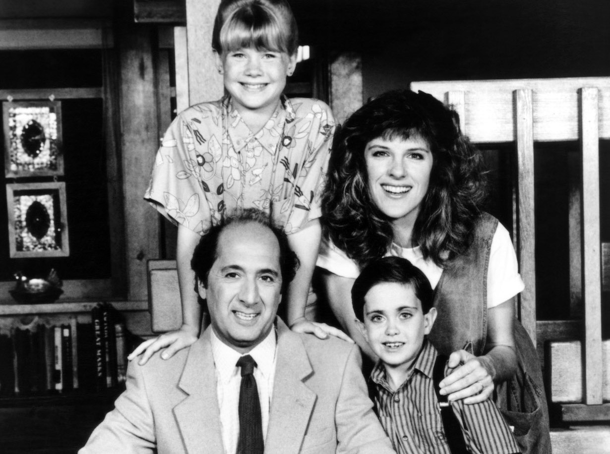 FAMILY MAN, (clockwise from top left): Alison Sweeney, Mimi Kennedy, Whitby Hertford, Kelley Mari Gallagher, Richard Libertini, 1988. © ABC / Courtesy: Everett Collection