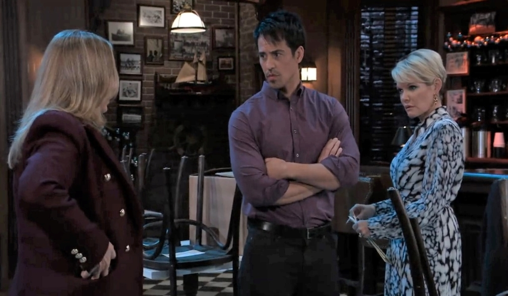 Laura fills in Nikolas and Ava about Cyrus at Charlie's General Hospital