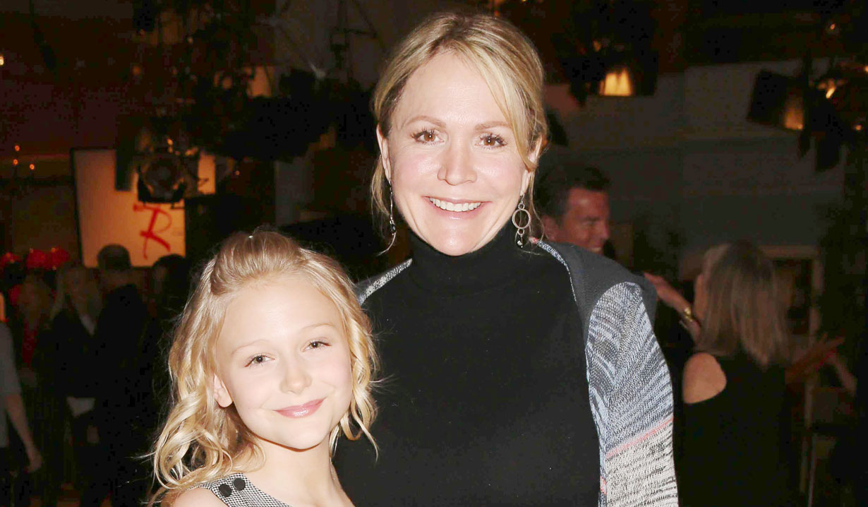 alyvia alyn lind and mom Y&R