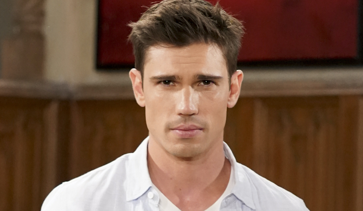 "Tanner Novlan as Dr. John ""Finn"" Finnegan of the CBS series THE BOLD AND THE BEAUTIFUL, Weekdays (1:30-2:00 PM, ET; 12:30-1:00 PM, PT) on the CBS Television Network. Photo: Sonja Flemming/CBS 2020 CBS Broadcasting, Inc. All Rights Reserved"