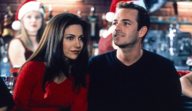 BEVERLY HILLS, 90210, from left: Vanessa Marcil, Luke Perry, 'Marathon Man', season 9, ep. 10. aired: 12/16/1998, 1990-2000. ph: Carin Baer / TM and copyright © Fox Network. All rights reserved. / Courtesy Everett Collection