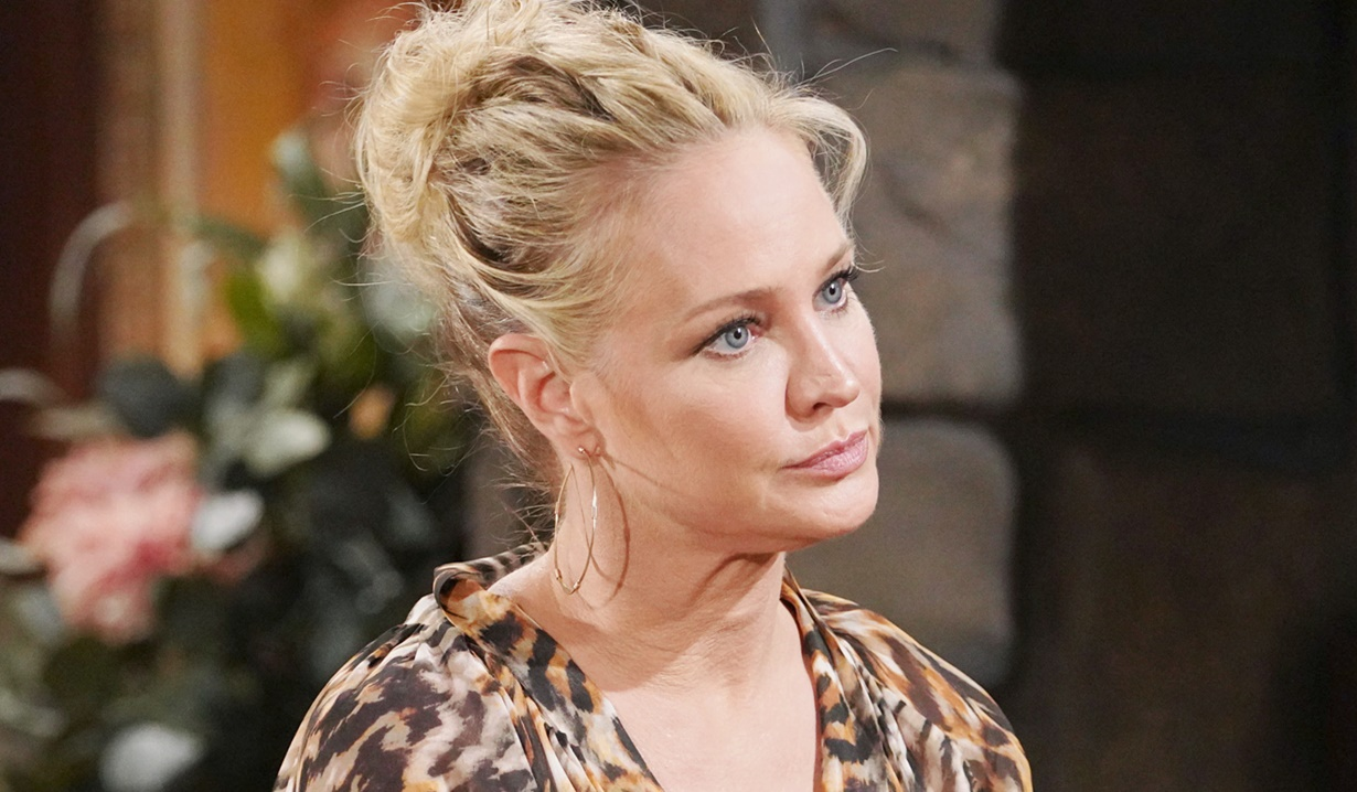 Y&R. Sharon. Christmas. Love. 2021 Young Restless Recap Rey Accuses Sharon Of Being Addicted To Adam Soaps Com
