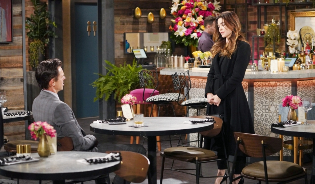 Victoria tells Billy he hut her feelings at Society Y&R