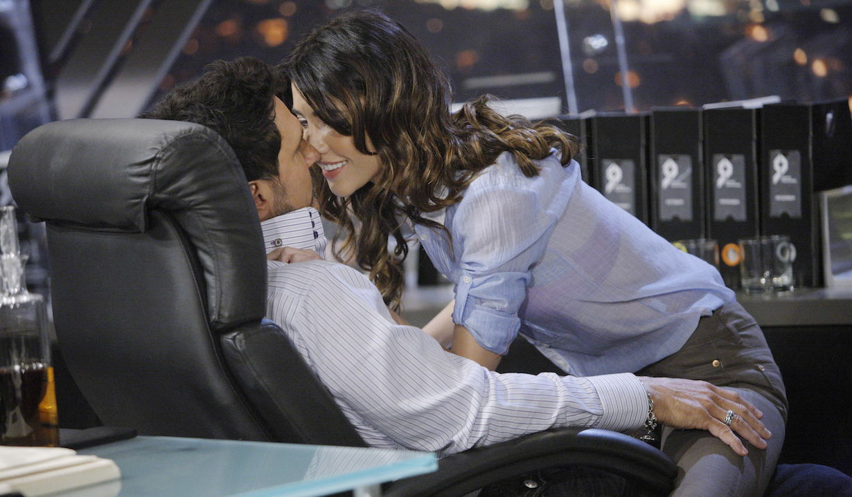"""Don Diamont, Jacqueline MacInnes Wood """"The Bold and the Beautiful"""" steffy bill kiss 2011"""