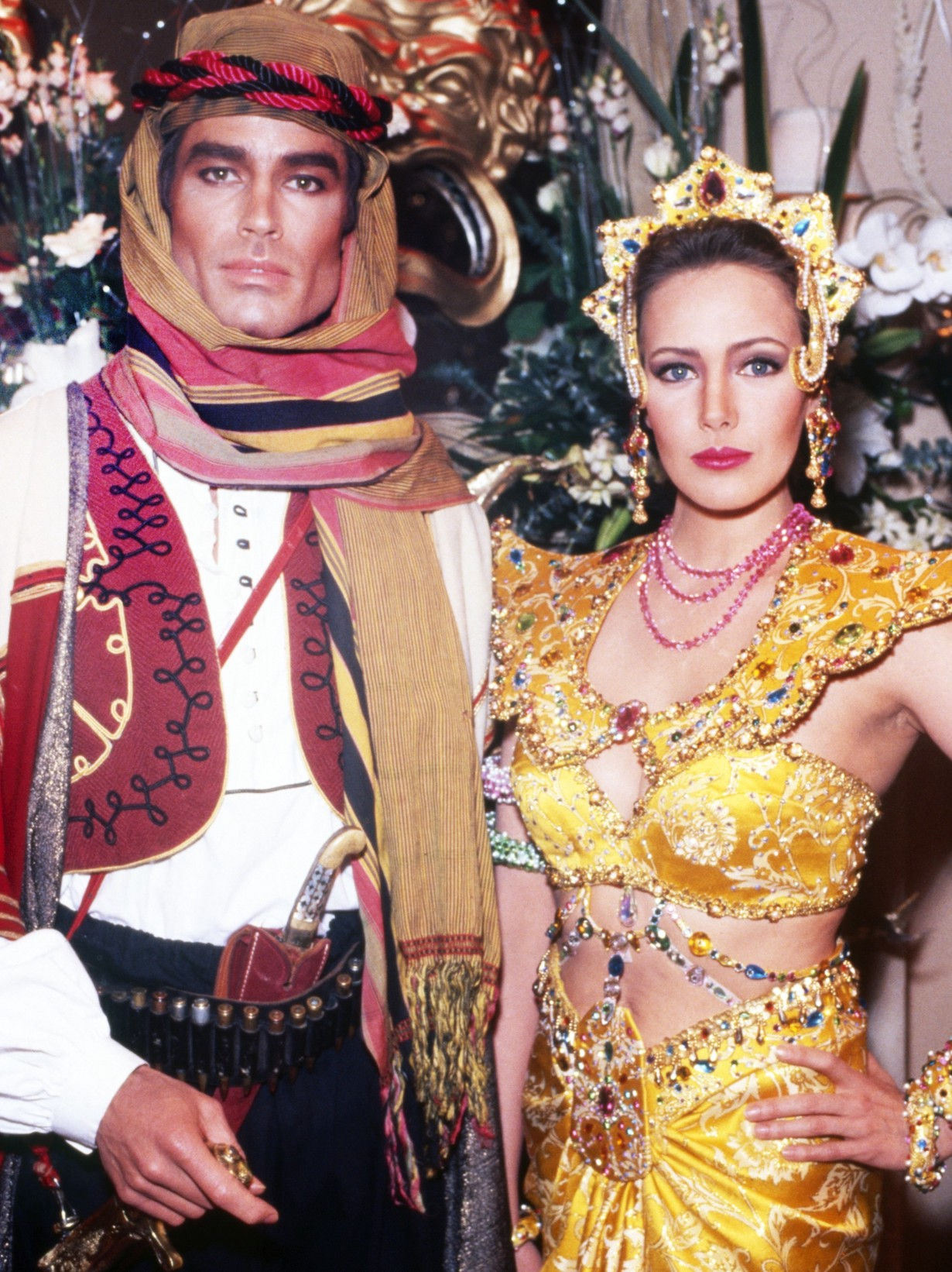 THE BOLD AND THE BEAUTIFUL, from left: Ronn Moss, Hunter Tylo, 1990s, 1987– . /© CBS / Courtesy Everett Collection