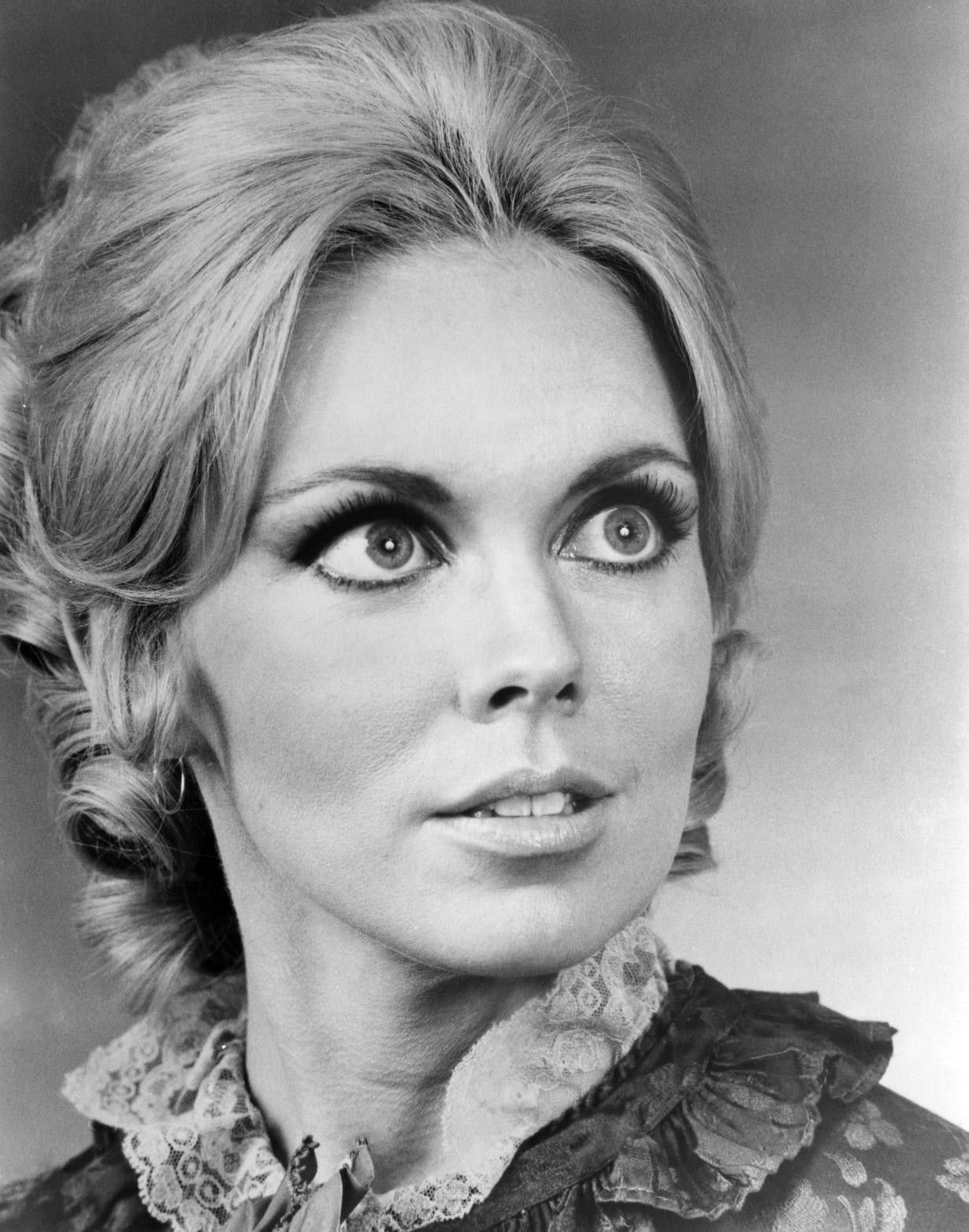 DARK SHADOWS, Lara Parker, 1966-71