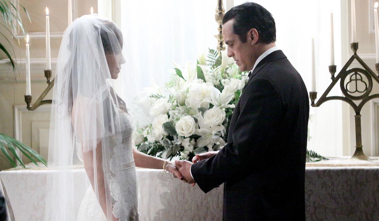 "brenda sonny wedding Vanessa Marcil Giovinazzo, Maurice Benard ""General Hospital"" Set The Prospect Studios ABC Studios Los Angeles 12/13/10 ©Paul Skipper/jpistudios.com 310-657-9661 Episode # 12219 U.S.Airdate 01/11/11"