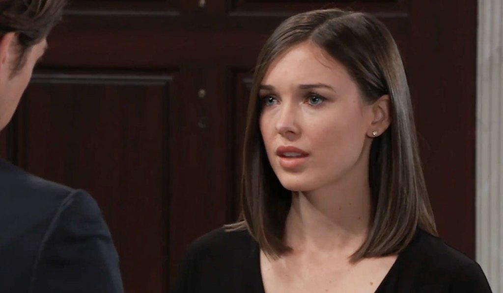 Michael has news for Willow on GH