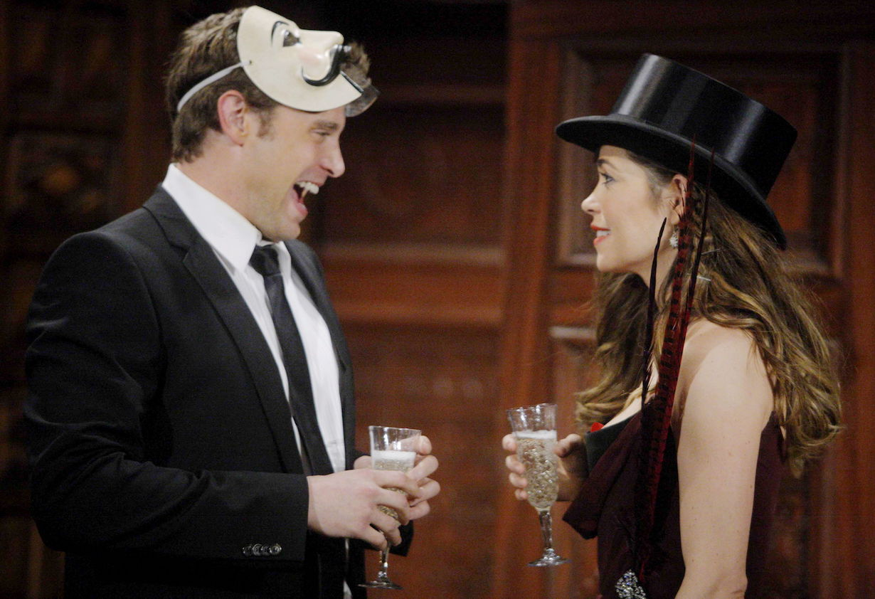 """Amelia Heinle, Billy Miller """"The Young and the Restless"""" Set CBS television City Los Angeles 3/2/10 ©sean smith/jpistudios.com 310-657-9661 Episode # 9369 U.S. Airdate 4/5/10"""