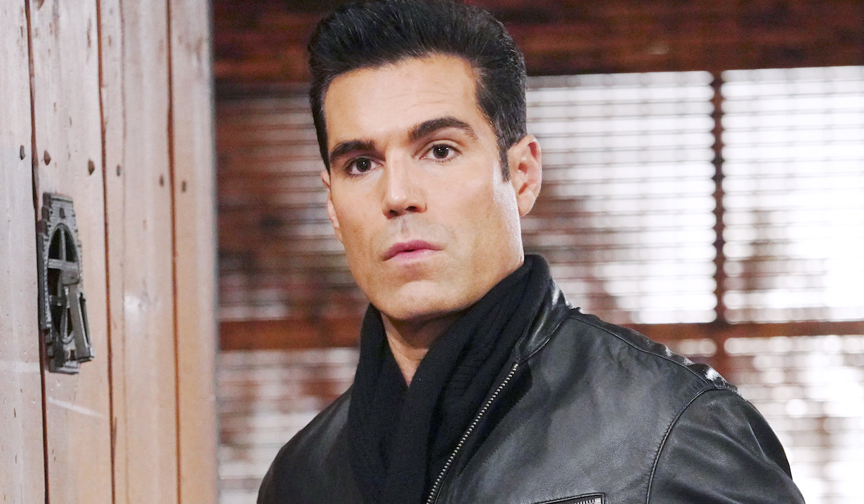 y&r leading man reacts to big casting news
